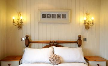 Crab and Lobster Cottage bedroom