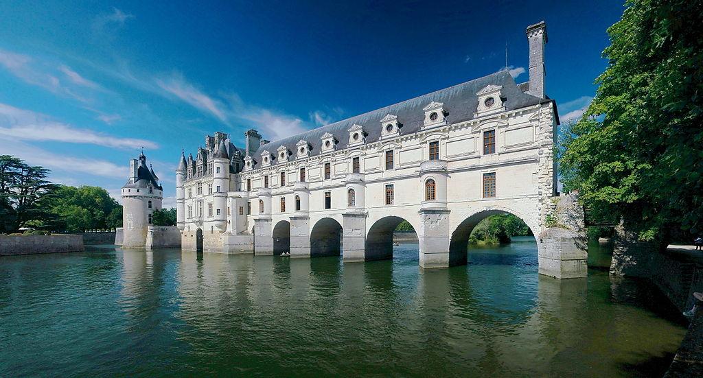 Chateau de Chenonceau 2008E Ra-smit [GFDL (http://www.gnu.org/copyleft/fdl.html)], via Wikimedia Commons