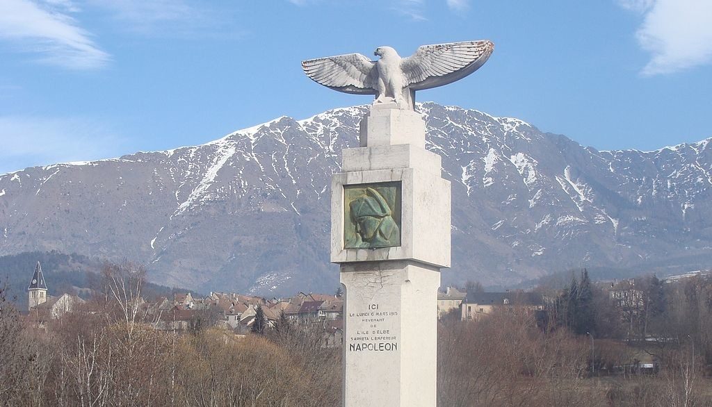 Monument to commemorate the route Napoleon at  Saint-Bonnet-en-Champsaur - By Fr.Latreille (Own work) [GFDL (http://www.gnu.org/copyleft/fdl.html) or CC BY-SA 4.0-3.0-2.5-2.0-1.0 (http://creativecommons.org/licenses/by-sa/4.0-3.0-2.5-2.0-1.0)], via Wikimedia Commons