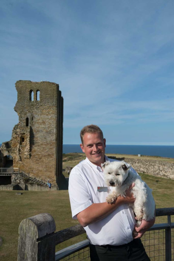 Simon-and-Tilly-at-castle