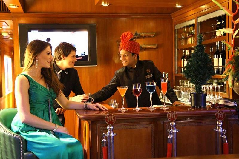 Maharaja Express Lounge Bar